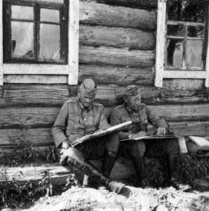 am 19.8.1941 in Nedoika - General Schmidt und General Heinrici