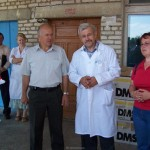 Mit dem Chefarzt der Klinik in Oktjaberski