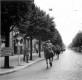 Vorbeimarsch in Dijon - an der Spitze Oberst Wenninger, Kommandeur IR 470