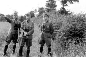 Kompanieführerkurs bei Perefitte - von links: Oberstleutnant Bracher - Generalleutnant Schmidt - Oberst Hahm