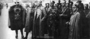 Oberst Fremerey, Stabsarzt Keller, Oberleutnant Gölz, Leutnant Musch und Maj Bracher erfahren vom Waffenstillstand.