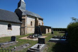 Der Friedhof von Dricourt im Sommer 2019