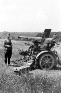 zerstörte französische Panzerabwehrkanone