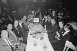 Divisionstreffen 1961 in Ludwigsburg, rechts stehend Fritz Schmelzle
