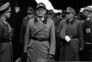 Oberst Friker und Hptm Vincon im November 1943 in Stuttgart