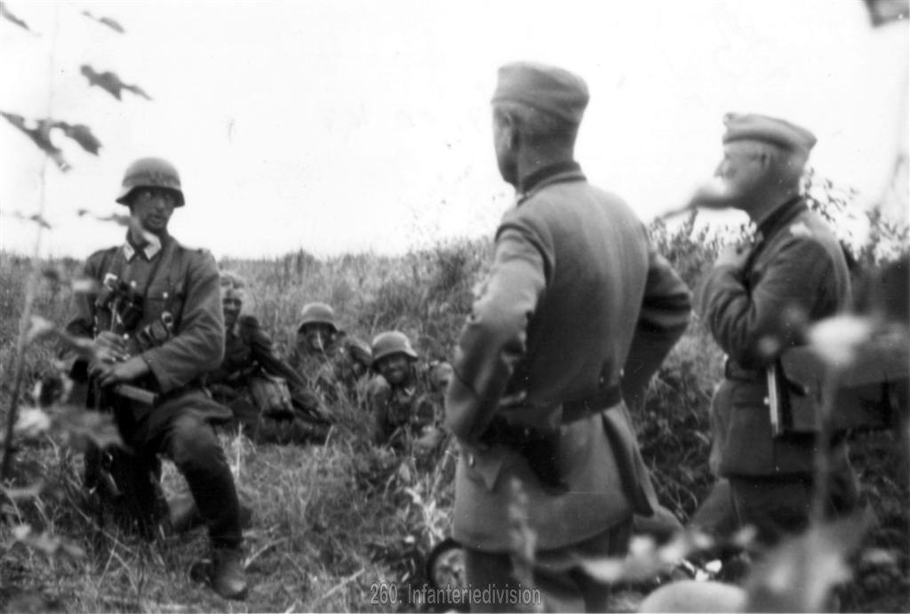 Oberleutnant Helmling am Desnaübergang
