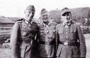 3 Ritterkreuzträger der Division: Hauptmann Helmling - Oberst Friker - Hauptmann Ostermann