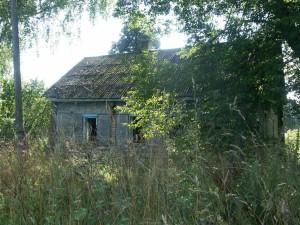 Eins der wenigen noch stehenden Gebäude