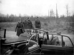 Oberst Wenninger und Oberst Fremerey bei Stellungsbesichtigung