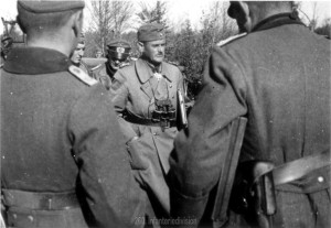General Schmidt erhält am 23.9.41 das Ritterkreuz verliehen