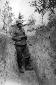 Im Graben - Angang Sommer 1944