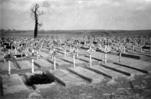 Zurück bleiben die Gräber der Kameraden