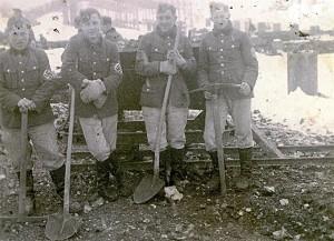 vermutlich Arbeitsdienst in Frankreich - erster von links  Kurt Sautter