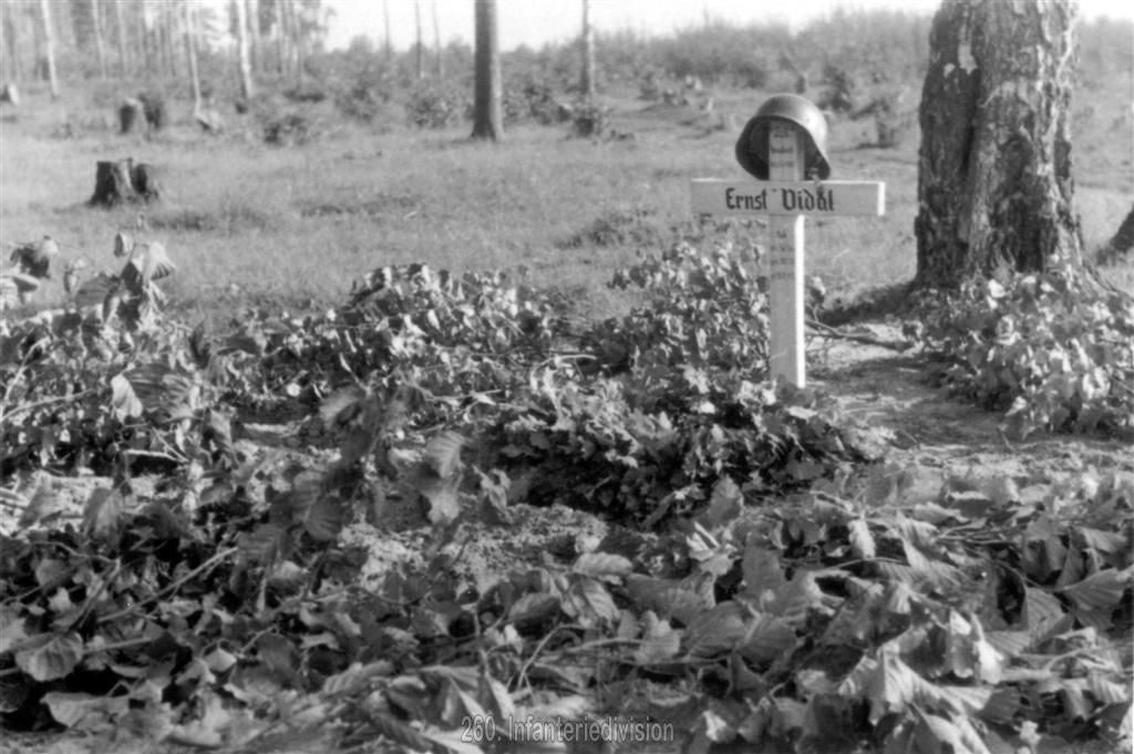 Das Grab von Hptm Vidal, gefallen am 18. August 1941