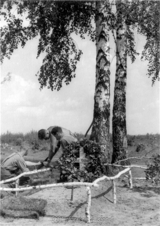 Das Grab von Hptm Vidal, gefallen am 18.8.1941