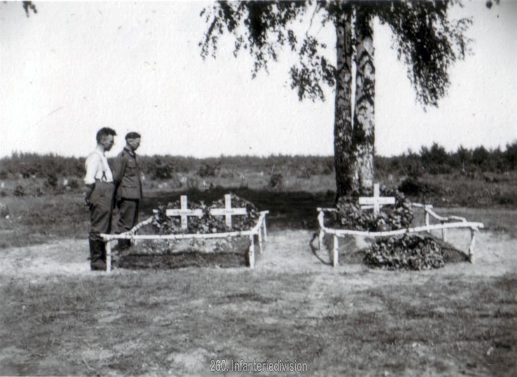 Das Grab von Hauptmann Ernst Vidal in Guta am 18. August 1941