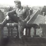 Otto Pfaender, Grundausbildung in Paray le Monial