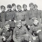 Otto Pfaender (hinten Mitte), Grundausbildung in Paray le Monial