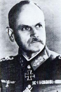 General Schmidt mit RK und Eichenlaub