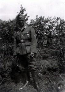 Urlaub von der Front, bereits mit EK II, infanteriesturmabzeichen und Verwundetenabzeichen