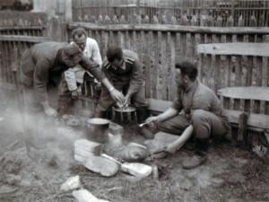 19410719 Gänseessen in Glusk 01
