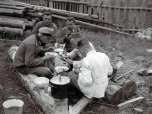 19410719 Gänseessen in Glusk 02