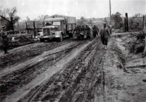 19410722 Pestsch Rudnja - Verwundetentransport