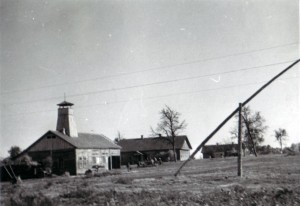 19410818 in Guta 02