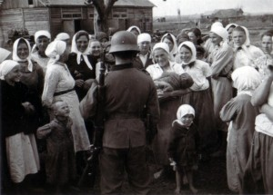 19410819 in Bazuny 01