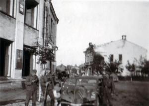 19410823 in Gomel 17