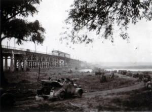 19410914 bei Tschernigow - Brücke über die untere Dessna 03