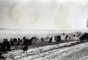 19411230 russische Gefangene auf der Rollbahn I 01