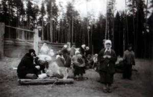 19440410 Flüchtlinge in Garmanja 01