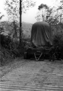 Panzerkuppel auf dem Weg nach Hüttingen