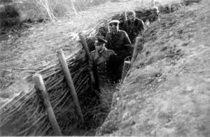 0023 Die Generale v.Brauchitsch - Schmidt - Dollmann im Absc_1