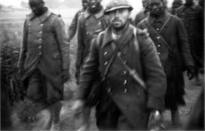 0121 Gefangene Franszosen im Juni 1940_1