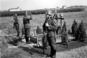 0330 Heldengedenktag bei Givry im März 1941 - Maj Dr.Schütz_1