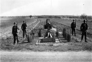 0331 Heldengedenktag bei Givry im März 1941_1