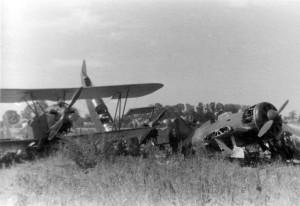 0087 am Boden zerstörte russische Flugzeuge_1