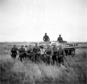 0170 Sturmgeschütz und Infanterie_1