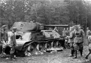 0178 am 6. August 41 durch 7. AR 260 abgeschossener Panzer_1