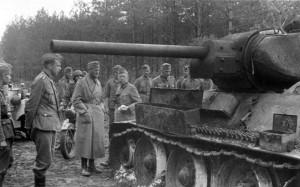 0181 Gen Schmidt und Gen Heinrici besichtigen einen russisch_1