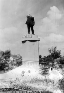 0224 Lenindenkmal in Gorodnya_1