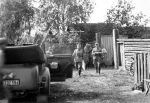 0231 am 19.8.41 in Nedoika - Gen Schmidt und Gen Heinrici_1