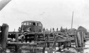 0239 Instandsetzung der zerstörten Brücke bei Gomel_1