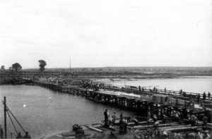 0241 Kriegsbrücke über den Sosh_1