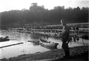 0242 Kriegsbrücke über den Sosh_1