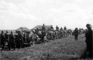 0327 Artillerie beim Stellungswechsel_1