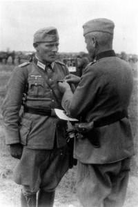 0344 Maj Franz Müller erhält das EK I_1