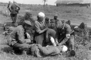 0401 verwundete Russen werden versorgt_1